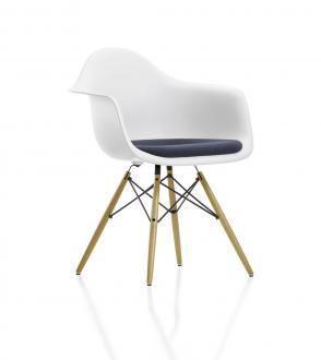Fauteuil DAW assise tapissée - Pieds Erable nuance de jaune