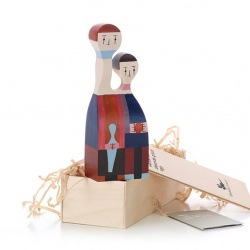 Poupée en bois / Wooden Doll No. 11