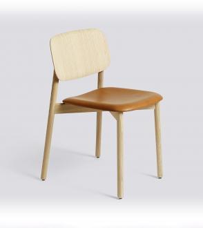 Chaise soft edge assise en cui silk cognac / chêne laqué mat